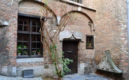 Mittelalterliche europäische Fassade Stockfotografie