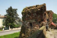 Mittelalterliche Festungswände in Soncino, Italien stockfoto