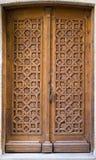 Mittelalterliche geschnitzte Tür Lizenzfreies Stockfoto