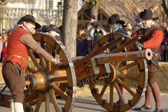 Mittelalterliche Kanongewehr bei Carnaval von Escalade Stockbild