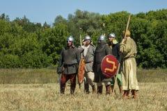 Mittelalterliche Krieger während des historischen Festivals Lizenzfreie Stockfotos