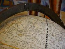 Mittelalterliche Kugel mit Karte lizenzfreie stockbilder