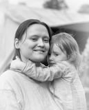 Mittelalterliche Mutter mit ihrem Baby Stockbild