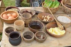 Mittelalterliche Nahrungsmitteltabelle Lizenzfreie Stockfotografie