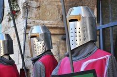 Mittelalterliche Ritter in der Rüstung Lizenzfreie Stockfotos