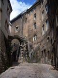 Mittelalterliche schmale Straße in der Luxemburg-Hauptstadt Alte Ziegelsteingebäude 2 Stockfotografie