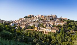 Mittelalterliche Stadt Loreto Aprutino, Abruzzo, Italien Lizenzfreie Stockbilder