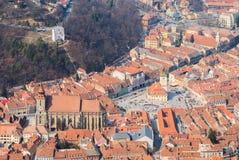 Mittelalterliche Stadt mit gotischer Kirche und Rathaus Lizenzfreies Stockfoto