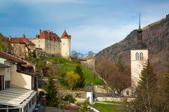 Mittelalterliche Stadt von Gruyeres und von Schloss, Kanton Freiburg, die Schweiz stockfotos