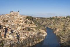 Mittelalterliche Stadt von Toledo und der Tajo gehen zu Bett spanien Lizenzfreies Stockfoto