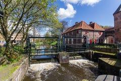 Mittelalterliche Stadtmauer Koppelpoort Amersfoorts und der Eem-Fluss Stockbild