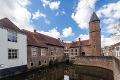 Mittelalterliche Stadtmauer Koppelpoort Amersfoorts und der Eem-Fluss Lizenzfreies Stockfoto