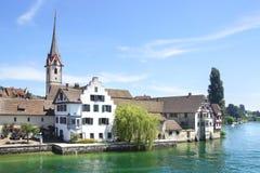 Mittelalterliche Stadtmitte Zügel Steins morgens Stockbilder