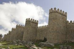Mittelalterliche Stadtwände und Kontrolltürme von Ãvila Stockfotos