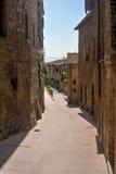 Mittelalterliche Straße in Europa Lizenzfreie Stockfotos