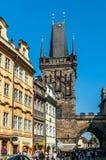 Mittelalterliche Straßen und Architektur in Prag Lizenzfreie Stockfotografie
