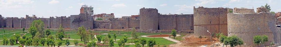 Mittelalterliche Wände und Türme Stockfoto