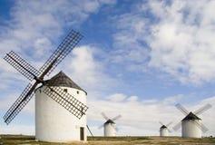 Mittelalterliche Windmühlen Stockbilder