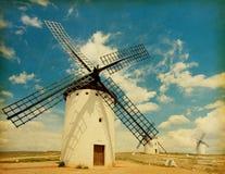Mittelalterliche Windmühlen. Lizenzfreies Stockbild