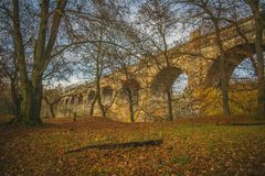 Mittelalterlicher Aquädukt Aquädukt-im alten Backsteinbau Schottlands Avon höchster Aquädukt-zweite schottisch lizenzfreie stockbilder