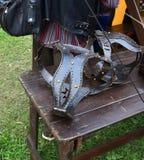 Mittelalterlicher Eisenkeuschheitsgürtelabschluß oben replik lizenzfreie stockbilder