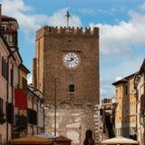 Mittelalterlicher Glockenturm in Mestre nahe Venedig - Italien Lizenzfreies Stockfoto