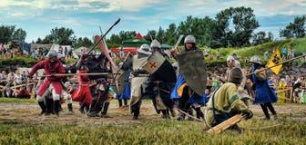 Mittelalterlicher Kampf des 13. Jahrhunderts Stockbild