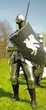 Mittelalterlicher Ritter in der vollen Rüstung Lizenzfreies Stockfoto