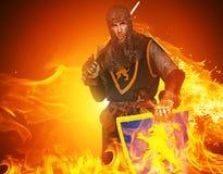 Mittelalterlicher Ritter mit einem Wort lizenzfreies stockfoto