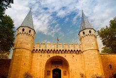 Mittelalterlicher Schlosseingang Lizenzfreie Stockfotografie