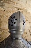 Mittelalterlicher Sturzhelm und Rüstung Lizenzfreies Stockbild