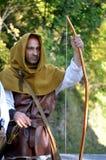 Mittelalterlicher suchender Mann, der während eines langen Krieges lebt Lizenzfreie Stockfotos