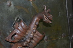 Mittelalterlicher Torgriff lizenzfreies stockbild