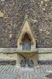 mittelalterlicher Trinkbrunnen in England Lizenzfreies Stockbild