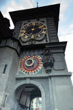 Mittelalterlicher Zytglogge-Glockenturm auf Kramgasse-Straße in Bern Stockbild
