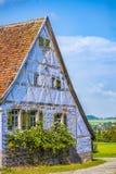 Mittelalterliches blaues deutsches traditionelles Haus Lizenzfreie Stockfotos