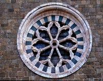 Mittelalterliches Fenster in Toskana, Italien Stockfotos