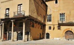 Mittelalterliches Gebäude in der alten Stadt von Tarragona, Spanien Stockfotografie