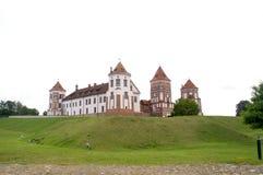 Mittelalterliches Schloss auf dem Hügel belarus Entsprechend der lokalen Tradition wurde die Abtei 1044 von Kasimir das Stärkungs Stockbilder