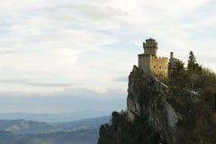 Mittelalterliches Schloss in San Marino Stockfotos