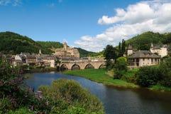Mittelalterliches Schloss und Brücke von Estaing, Frankreich Stockbilder