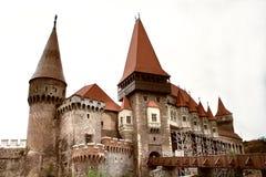 Mittelalterliches Schloss während der Tageszeit Lizenzfreie Stockfotografie