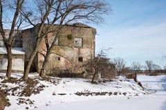Mittelalterliches Teutonic Schloss Labiau im Polessk Ein Haus mit einem blauen Dach Russland Lizenzfreie Stockfotos