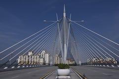 Mittelansicht der Seilzug-gebliebenen Brücke Stockbild