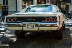 Mittelgroßes Auto Dodge-Ladegerät R/T, 1968 Hintere Ansicht Lizenzfreie Stockfotografie