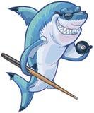Mittelkarikatur-Pool-Haifisch mit Stichwort und Ball acht Stockfotografie