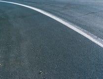 Mittellinie auf Straße stockfotos