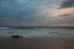 Mittelmeer nach Sonnenuntergang stockbild