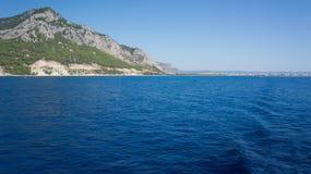 Mittelmeer und Berg Antalya die Türkei Stockfotografie