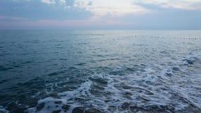 Mittelmeer und Himmel nach Sonnenuntergang, Ansicht Stockbilder